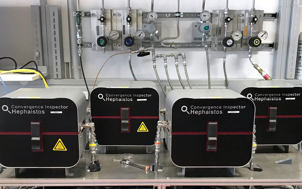 Gas-permeation-system-with-heating-and-multiple-cells